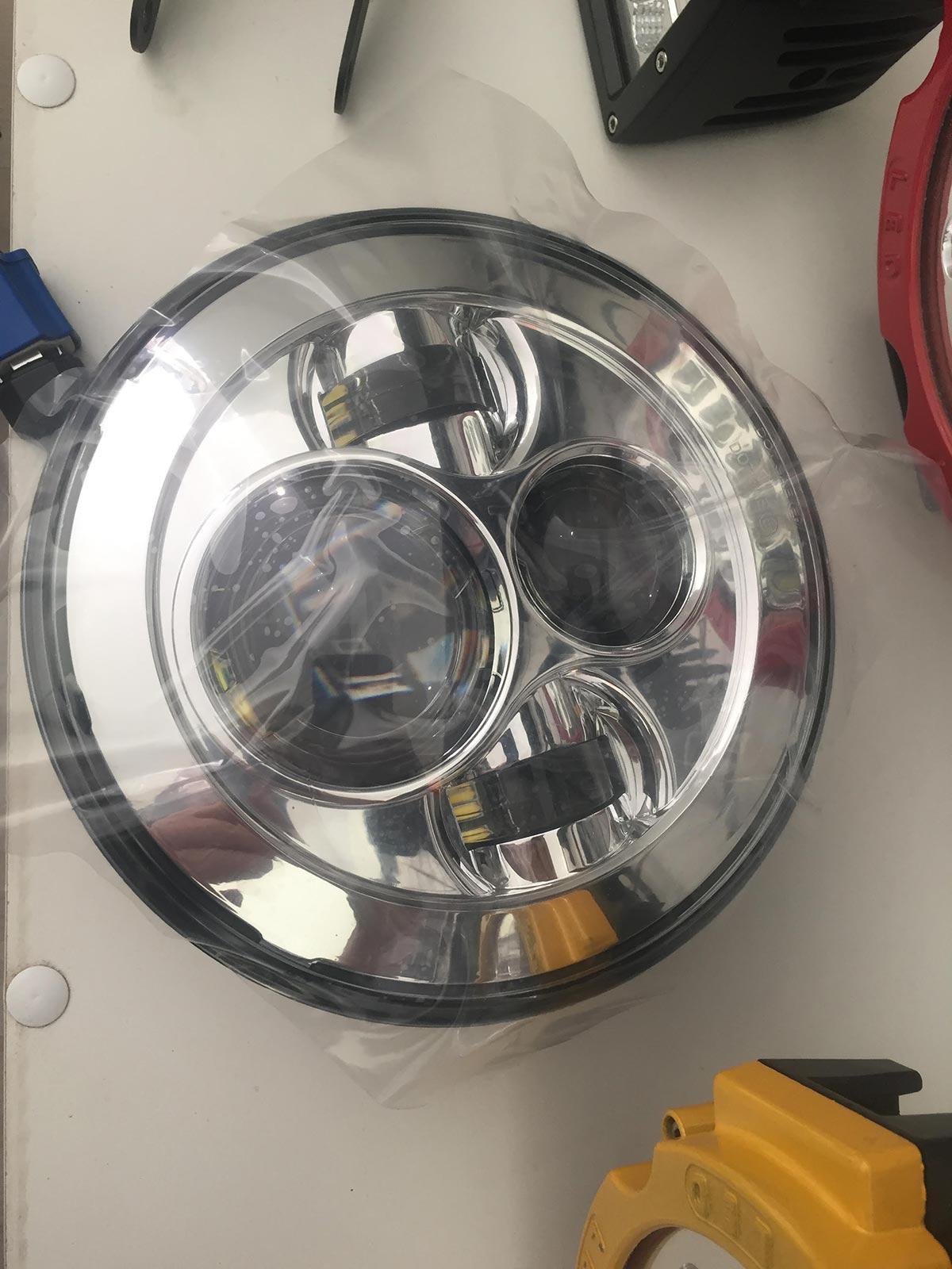 Фара 7 дюймов светодиодная для Нивы